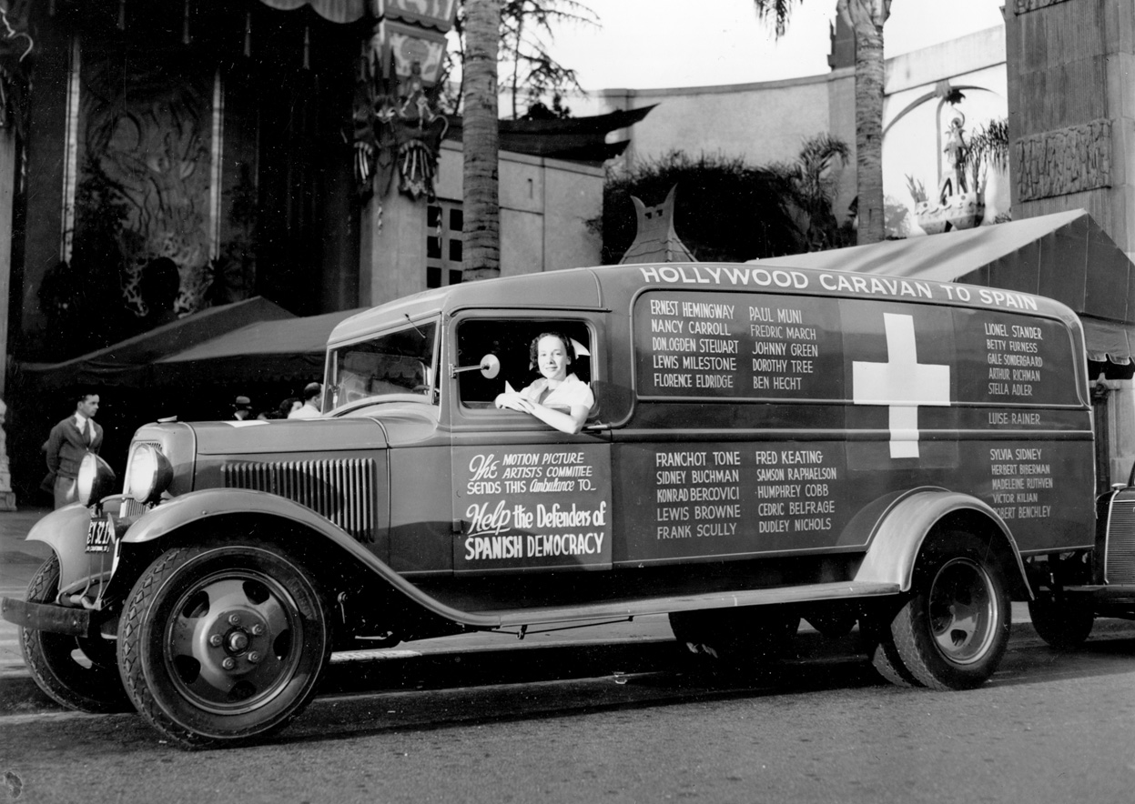 Riette Kahn at the wheel of an ambulance donated by the American movie industry to the Spanish government 01