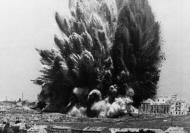 Asisbiz Explosion in Madrid Spain under the five story Casa Blanca building March 19 1938 01