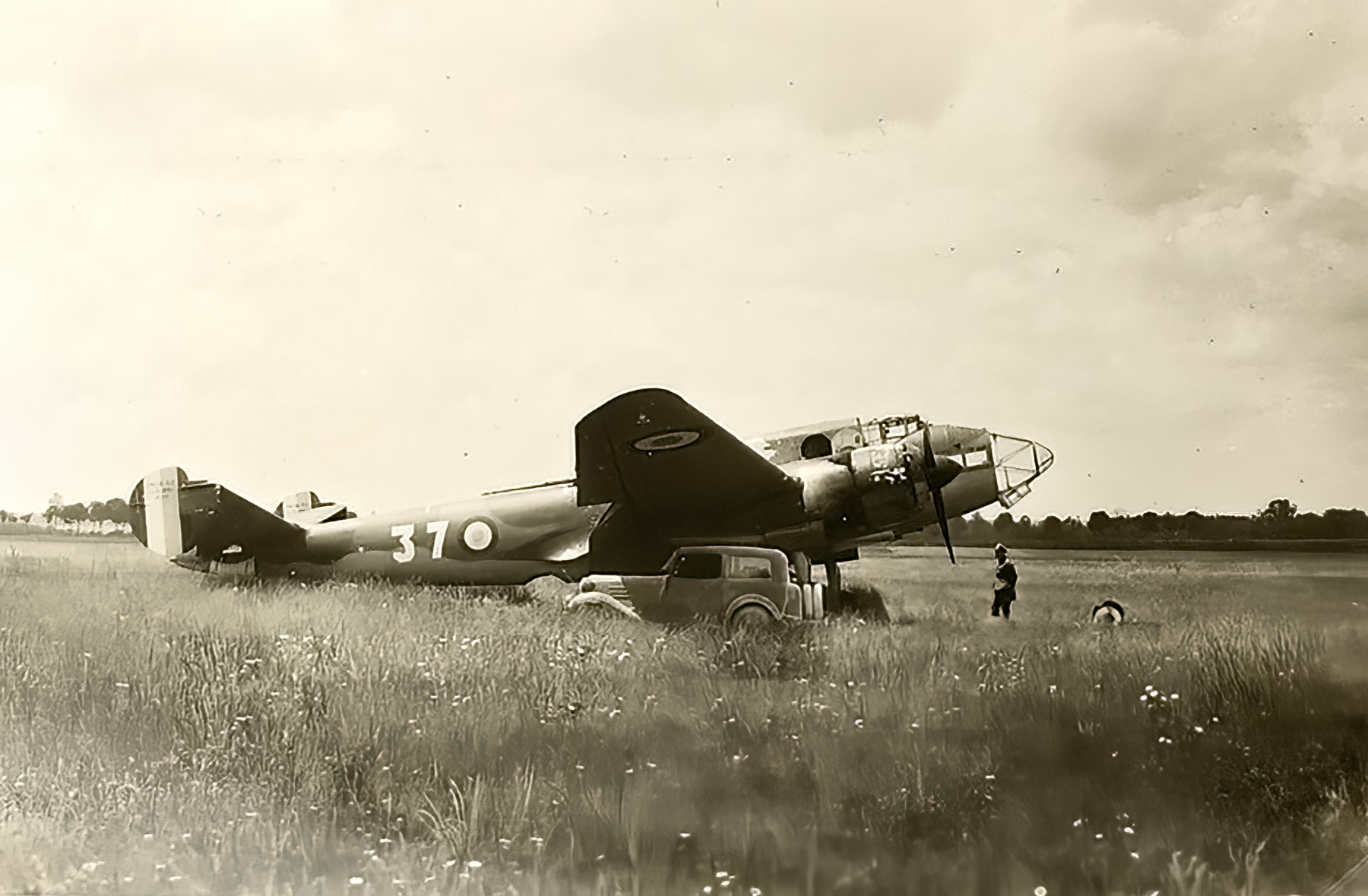 French Airforce Liore et Olivier LeO 451 White 37 abandoned France May Jun 1940 ebay 01
