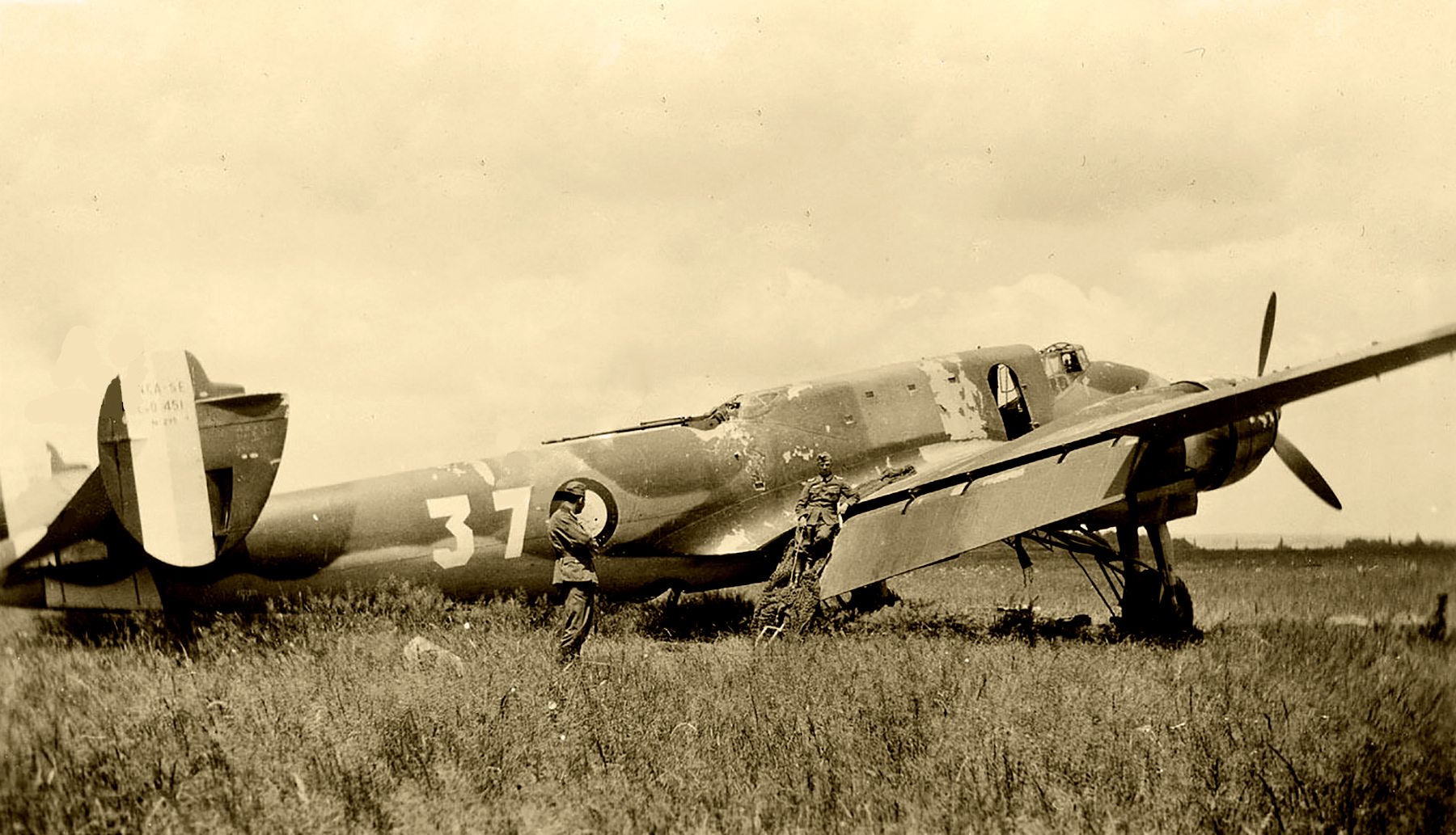 French Airforce Liore et Olivier LeO 451 White 37 destroyed whilst grounded France May Jun 1940 ebay 01