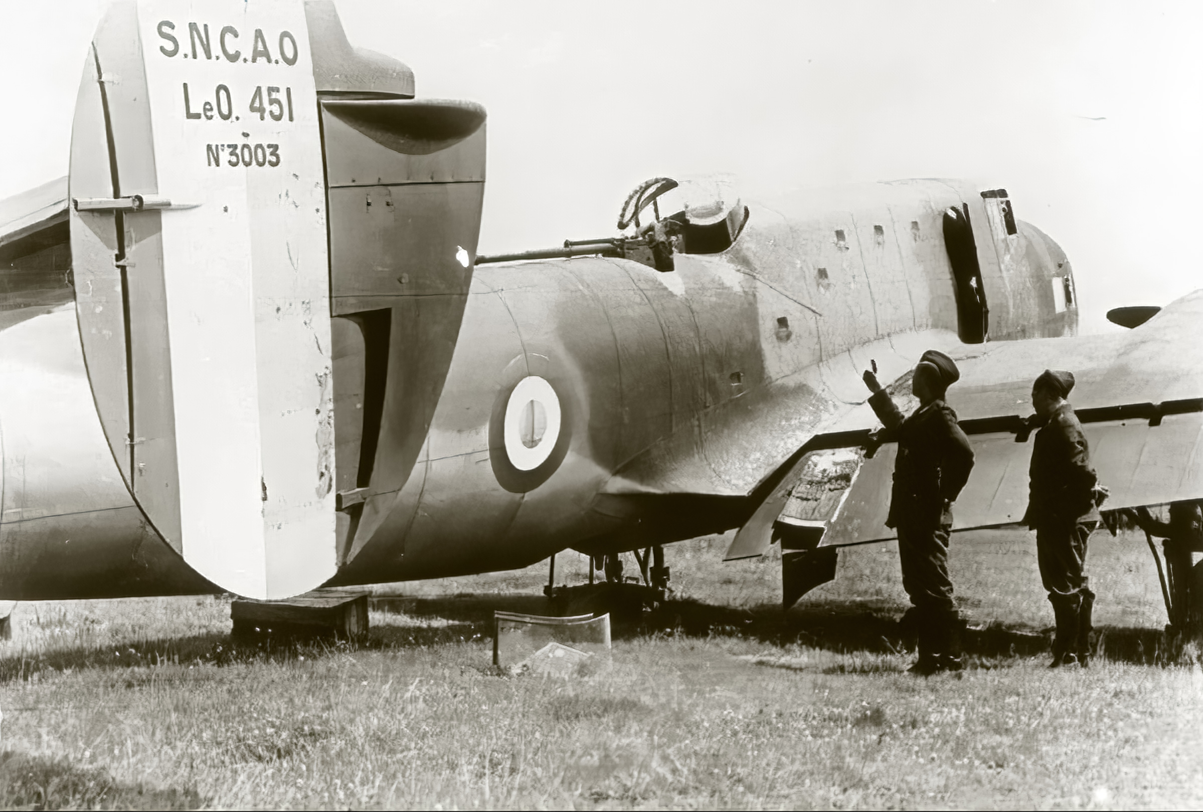 French Airforce Liore et Olivier LeO 451 no3003 being inspected by German forces France May Jun 1940 ebay 01