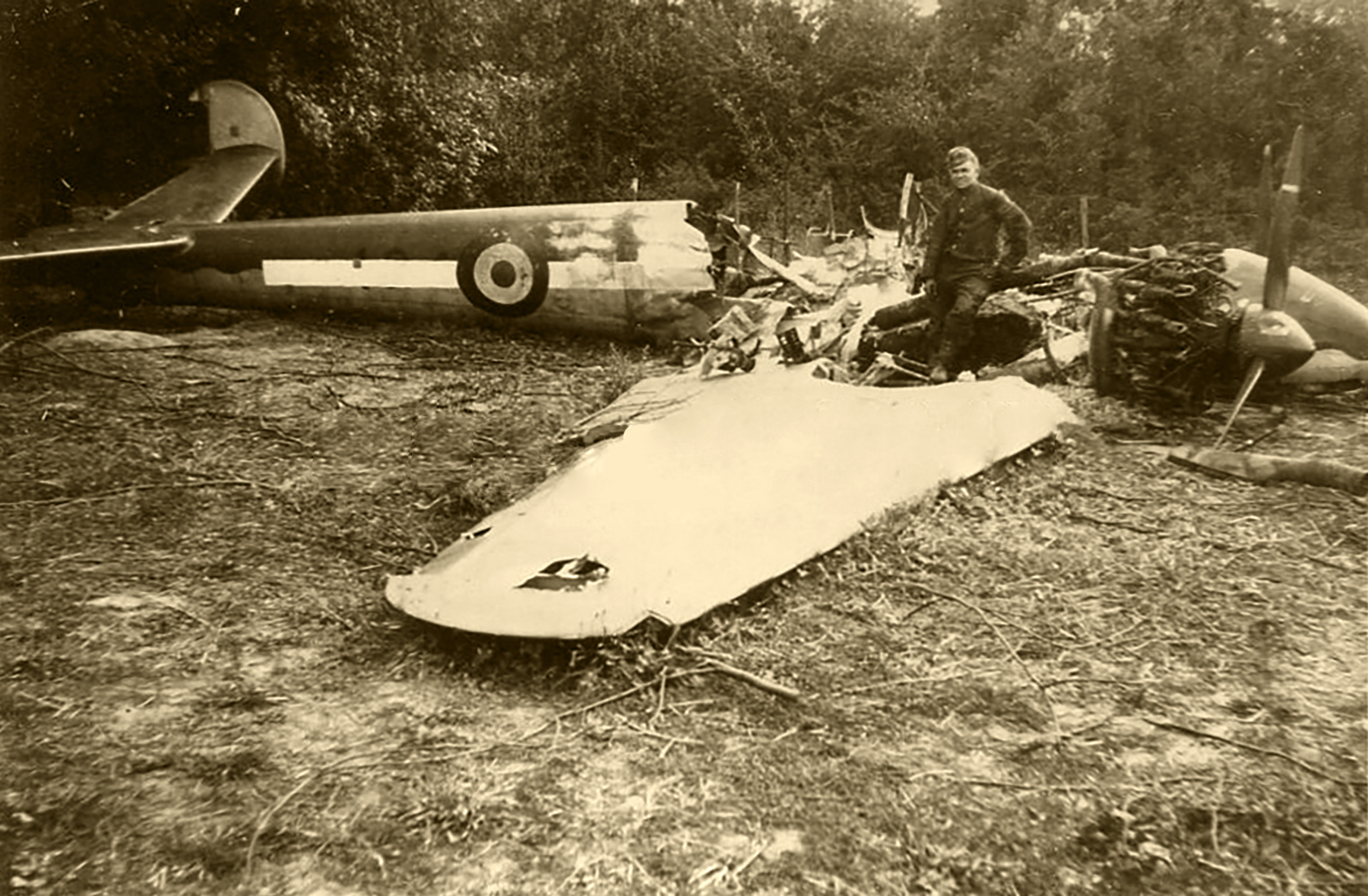 French Airforce Liore et Olivier LeO 451 sits abandoned after the fall of France June 1940 ebay 02