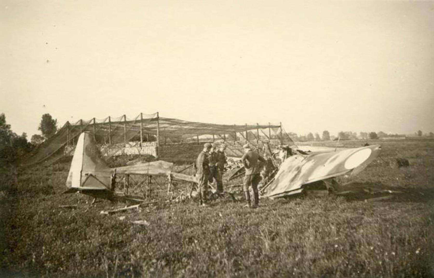French Airforce Morane Saulnier MS 406C1 destroyed at its base France May Jun 1940 ebay 01