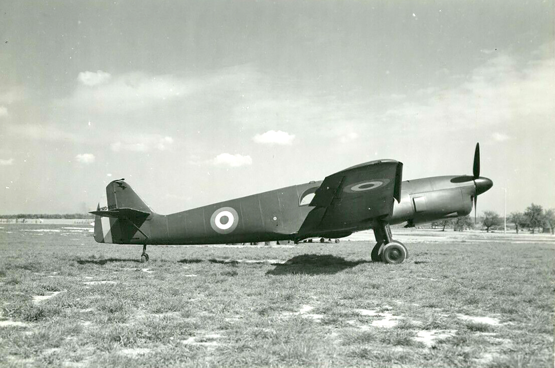French Airforce Nord 1002 Cocarde awaits deployment France 1940 ebay 01