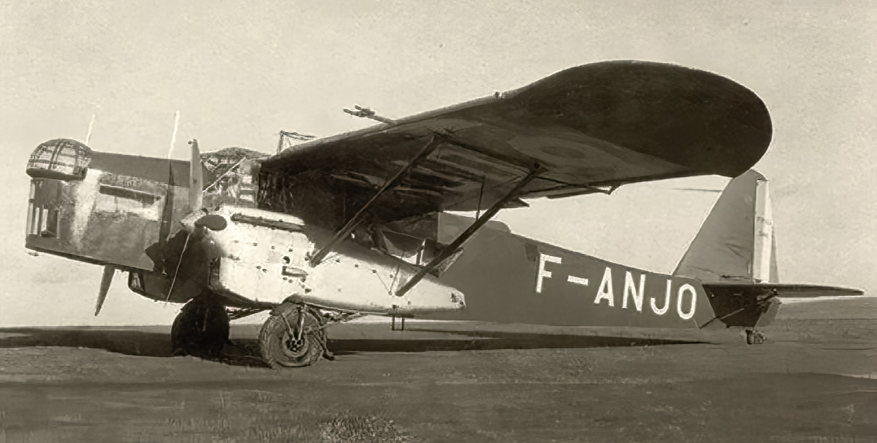 French Airforce Potez 540 F ANJO later crashed in Tours France with 7 killed 01