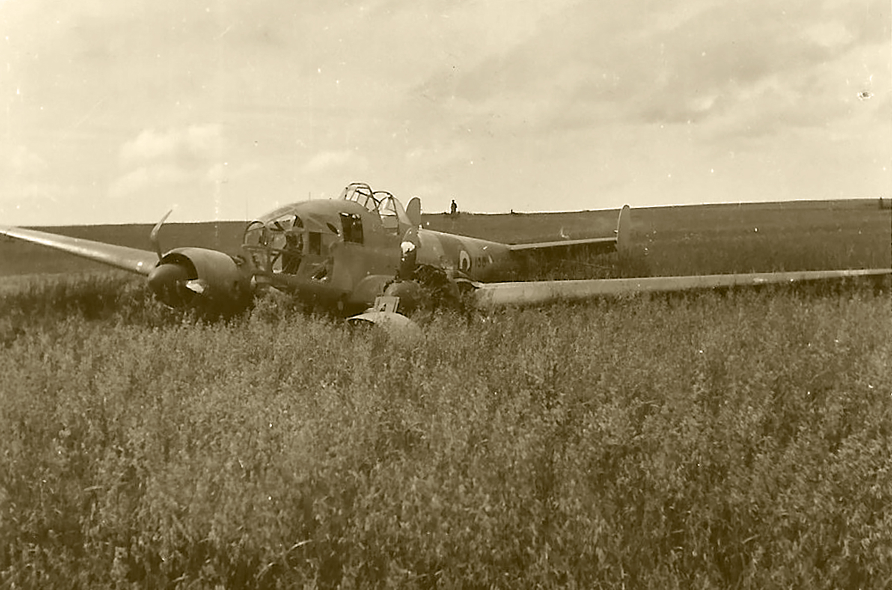 French Airforce Potez 63.11 force landed at Saint Inglevert France 1940 ebay 02