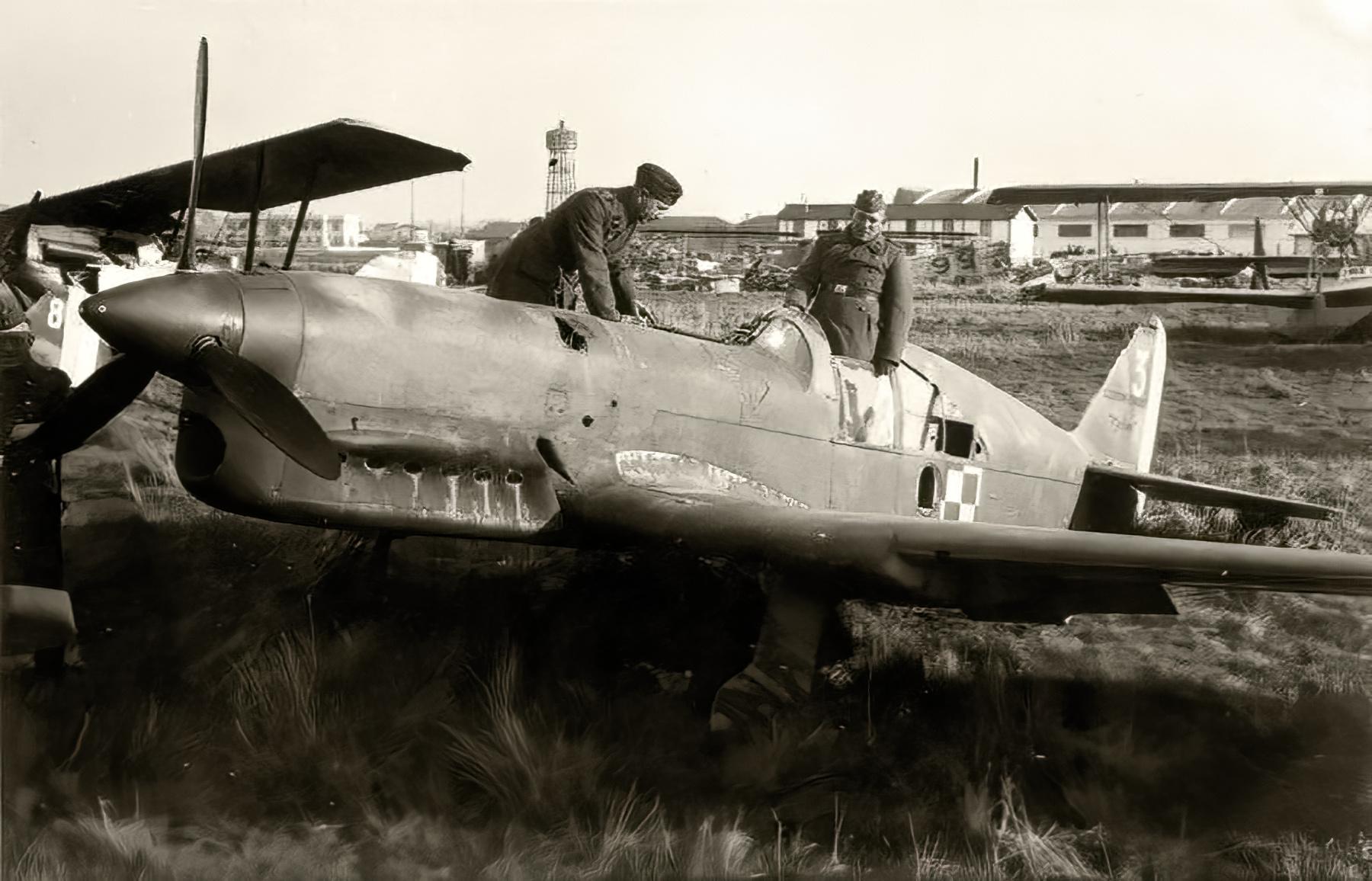 French Caudron CR 714C1 Cyclone GC I.145 White 3 Polish AF France 1940 web 01