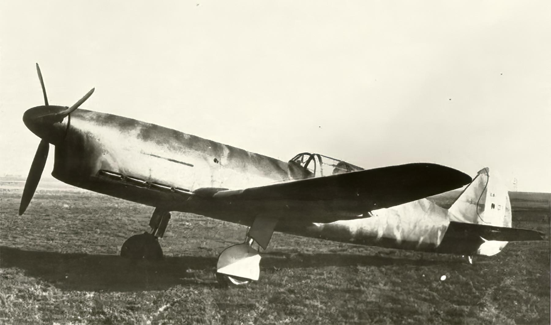 French Caudron CR 770C1 sn01 Cyclone Polish AF France 1940 web 04