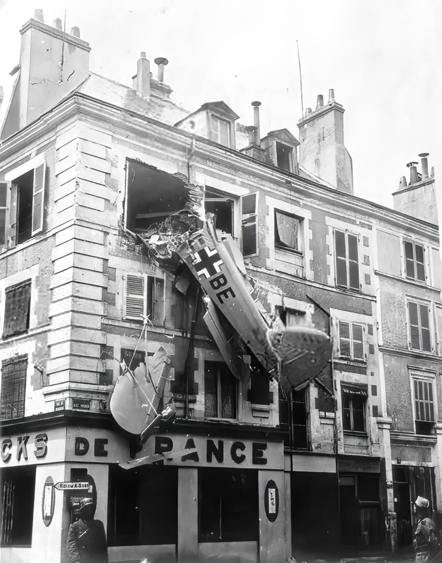 Luftwaffe reconnaissance aircraft crashsite being guarded by German soldiers in Paris France 1940 01