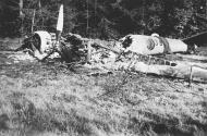 Asisbiz French Airforce Potez 63.11 destroyed on the ground May 1940 NIOD