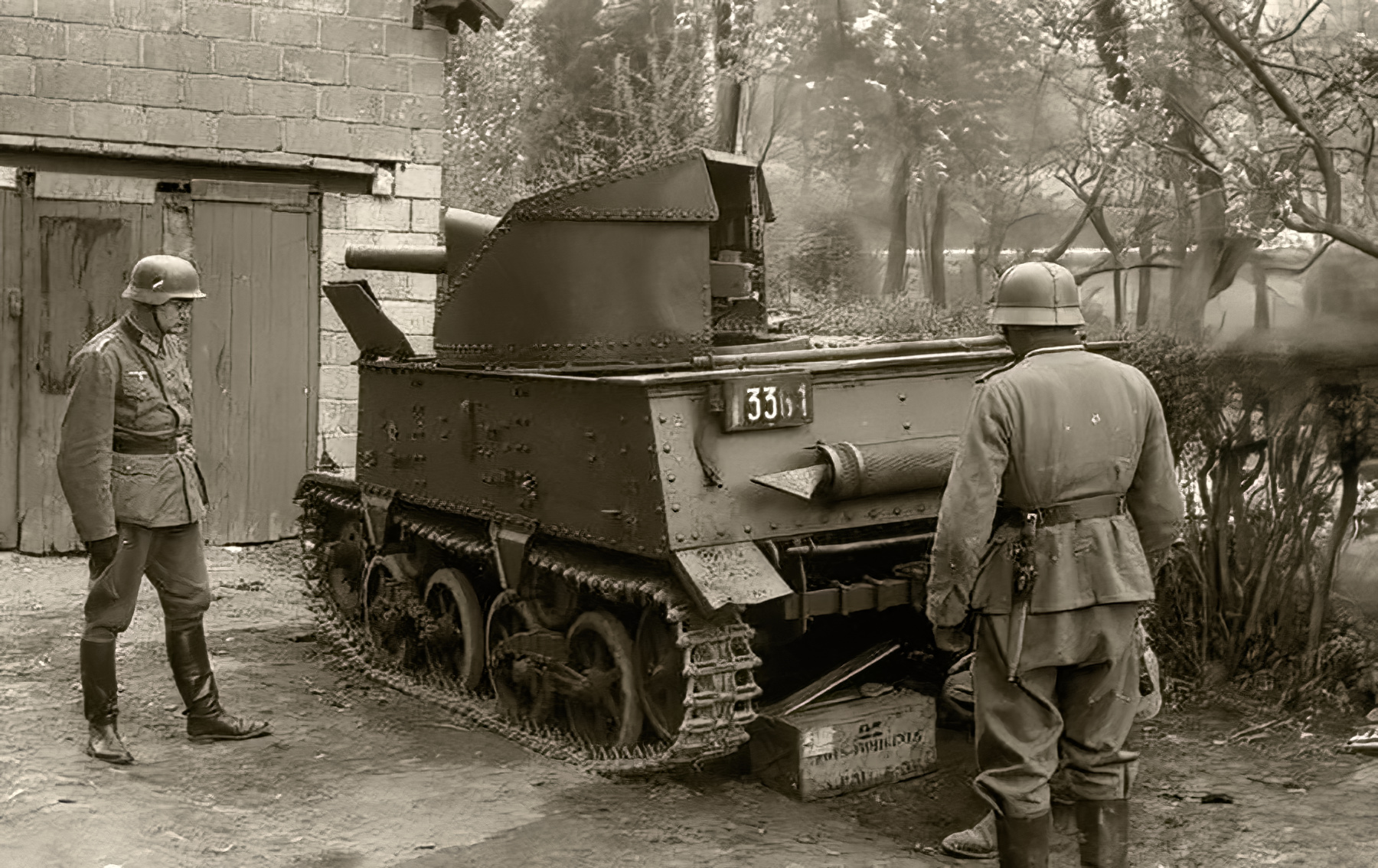 Belgian T 13 tank destroyer is inspected by German soldiers 1940 wiki 01