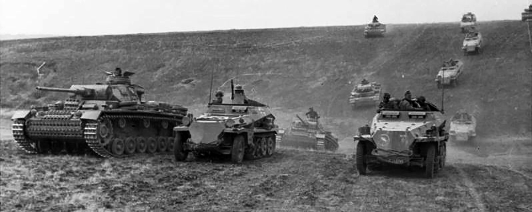 Blitzkrieg a highly mobile form of infantry and armour with air support June 1942 wiki 01