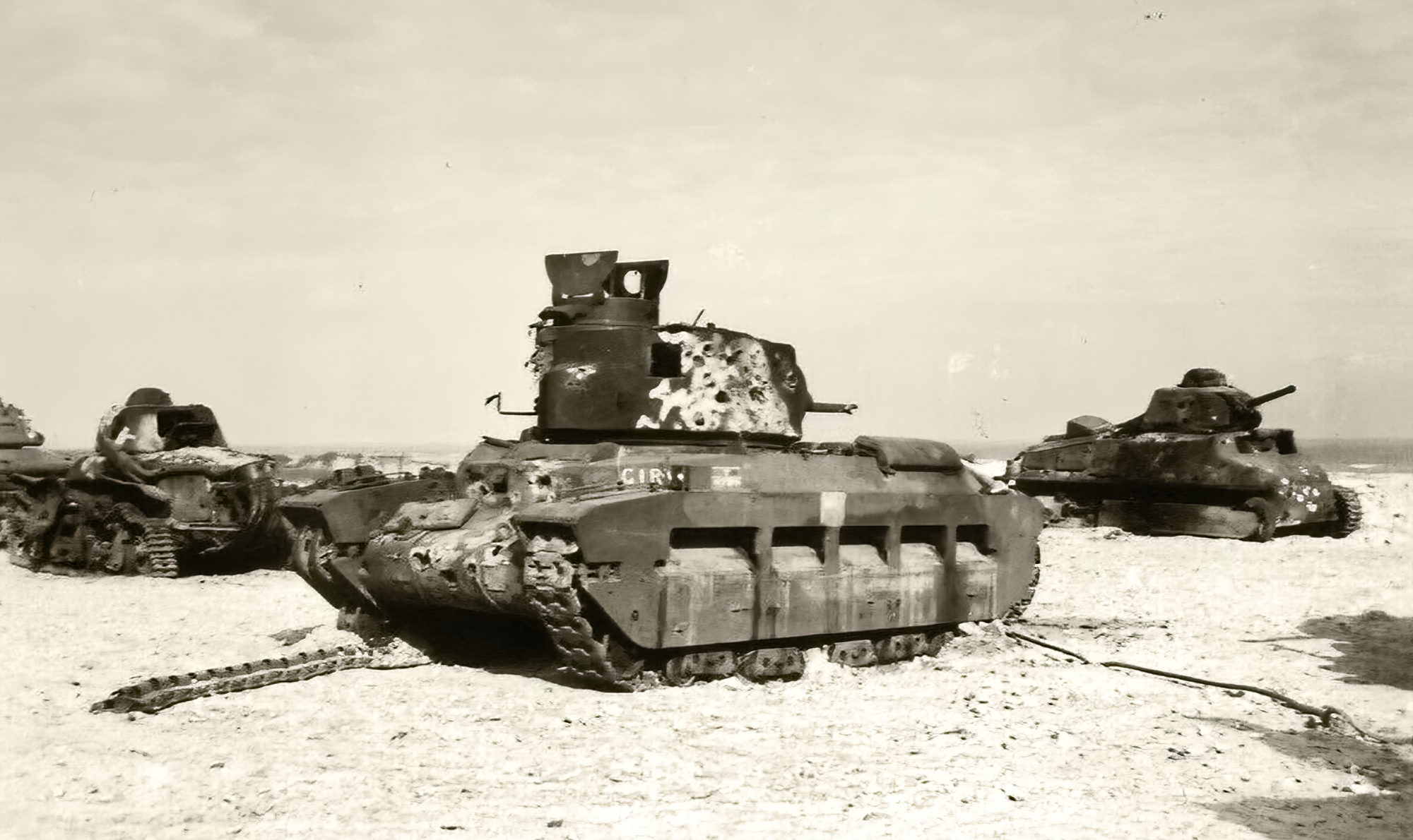 British Matilda abandoned with French Renault R35 and Somua S35 during battle of France 1940 ebay 01