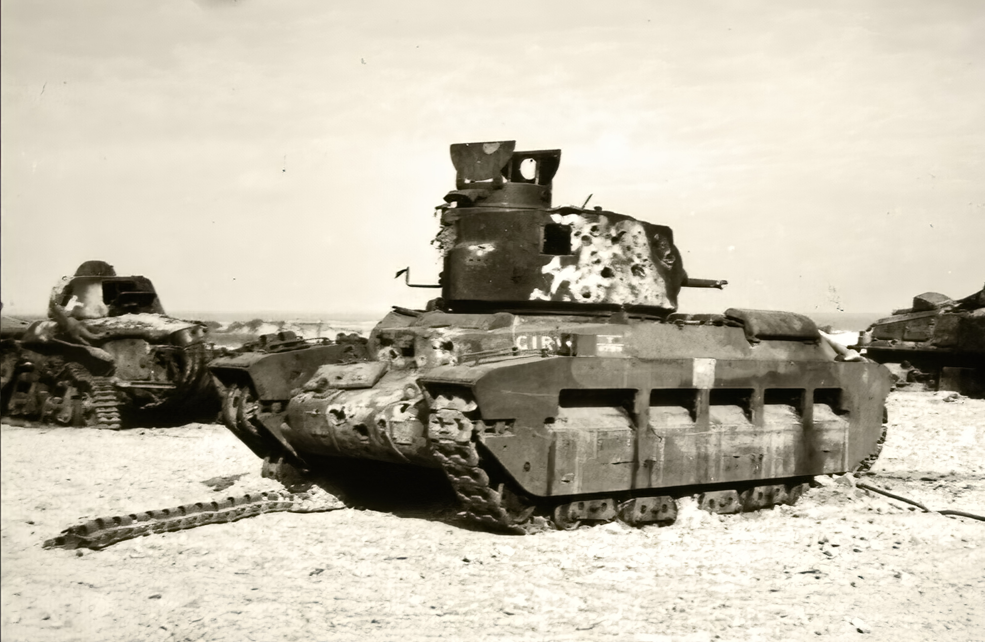 British Matilda abandoned with French Renault R35 during battle of France 1940 ebay 01