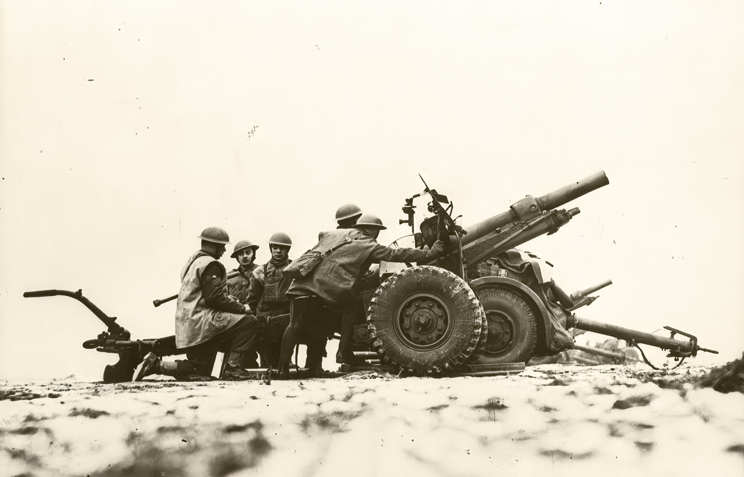 British Royal Artillery 25 pounder gun manuvoures in France 19th Jan 1940 NIOD