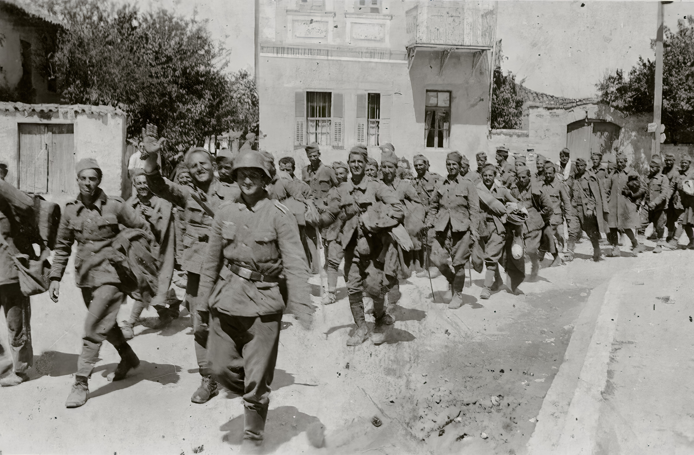 Column of French POWs being marched towards internment June 1940 04