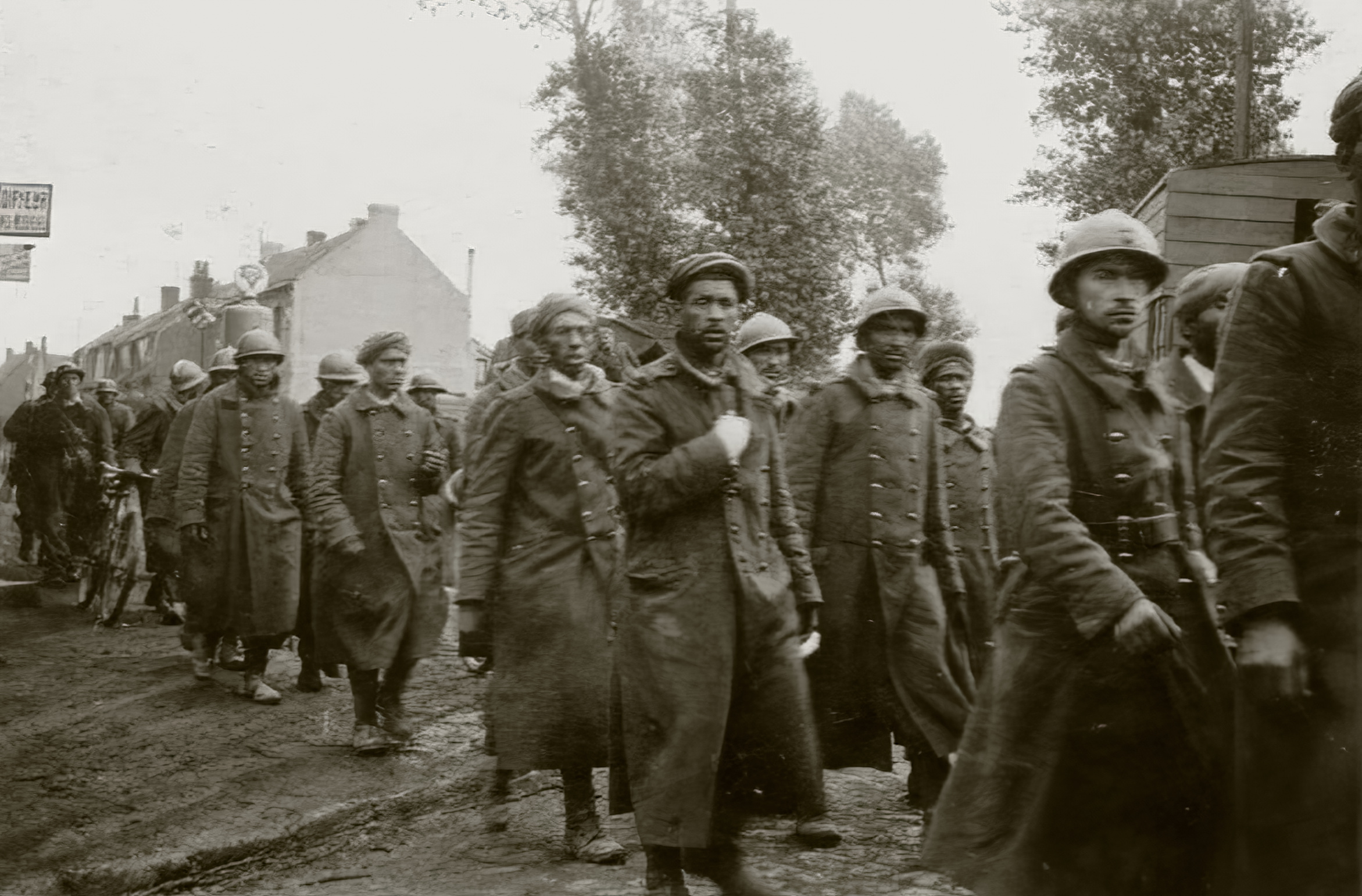 Column of French POWs being marched towards internment June 1940 ebay 02