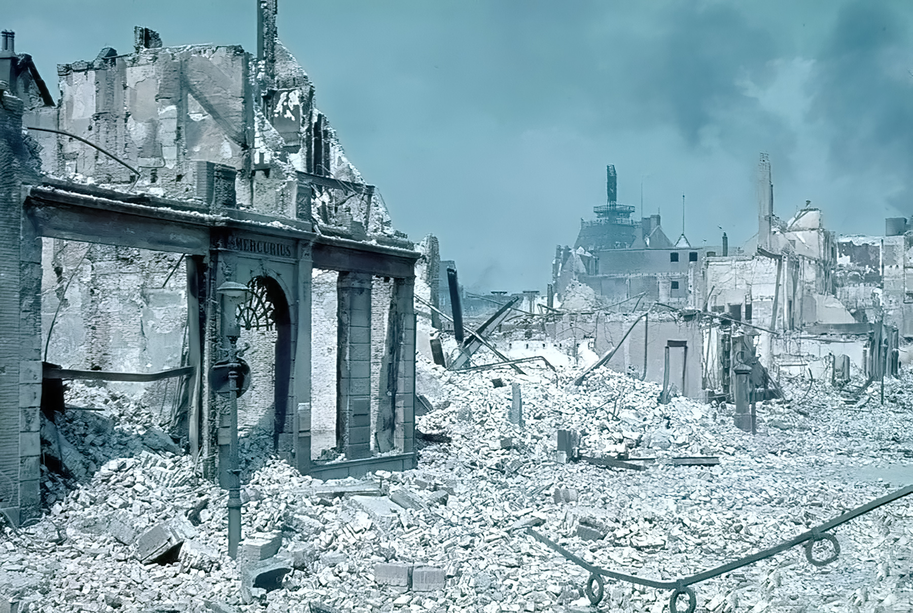 Devastation of Rotterdam by the Luftwaffe shows the city centre after the bombing May 1940 life 01