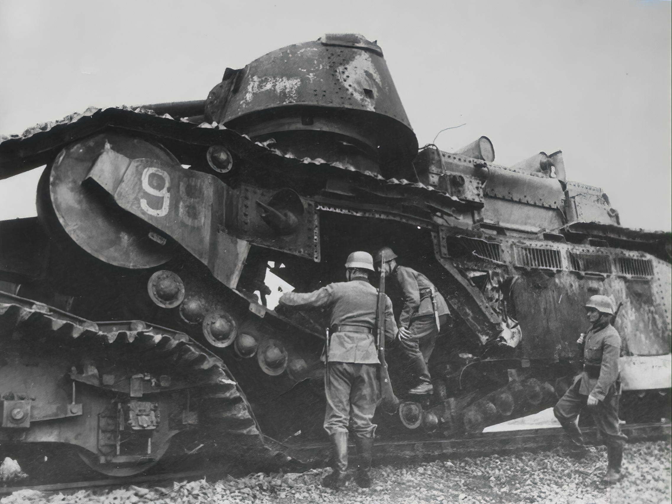 French Army Char 2C or FCM 2C heavy tank destroyed during battle of France 1940 ebay 01