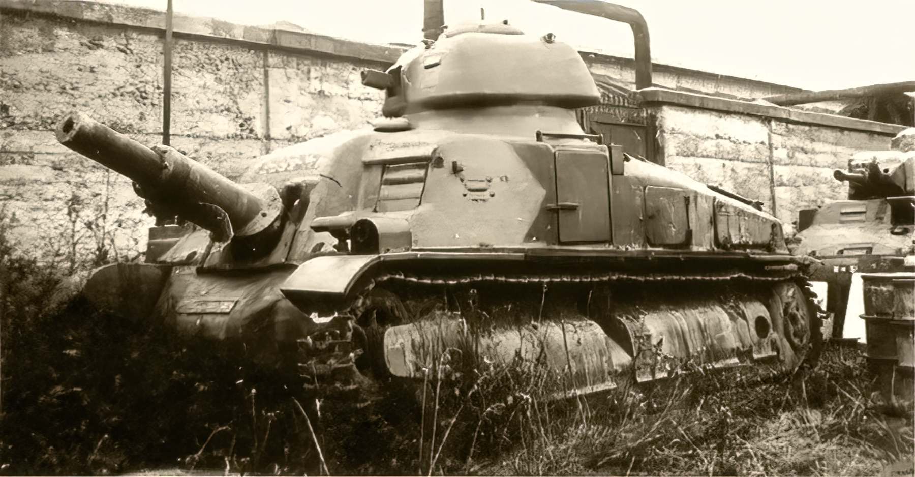French Army Char SAu 40 an attempted SPG based on the Somua S35 chassis 01