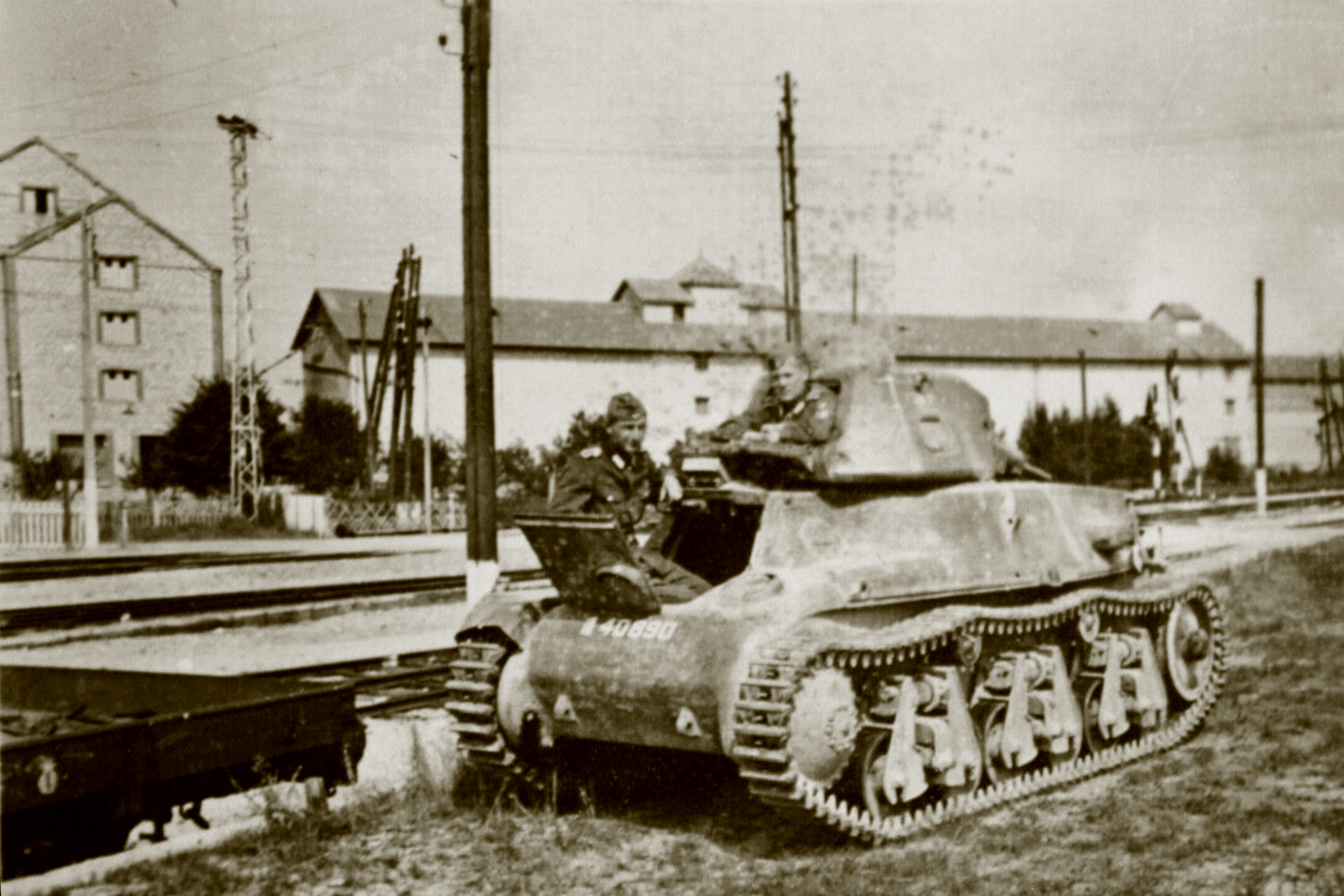 French Army Hotchkiss H35 40890 abandoned near a French railroad station battle of France 1940 ebay 01