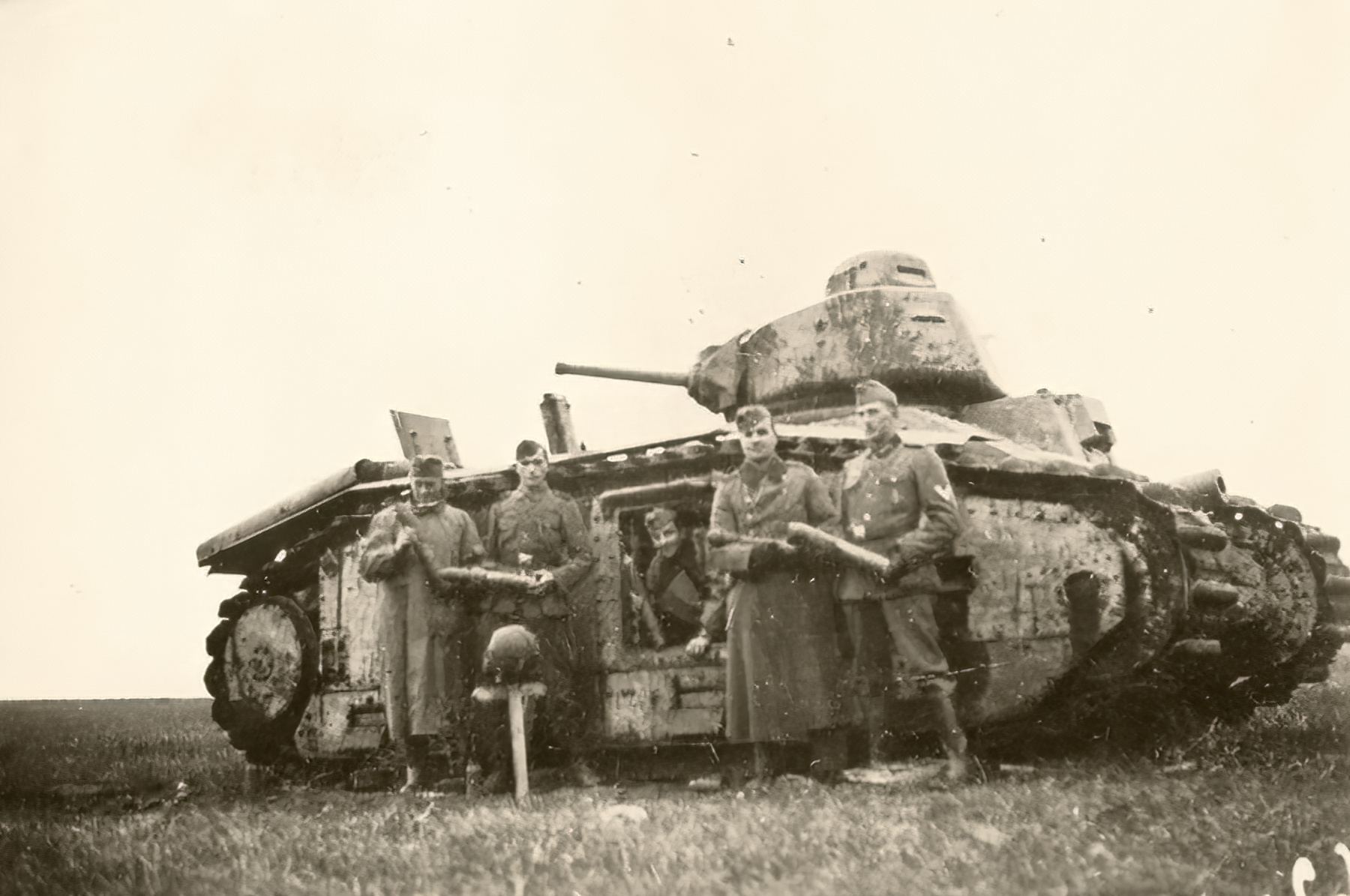 French Army Renault Char B1 being disarmed battle of France 1940 ebay 01