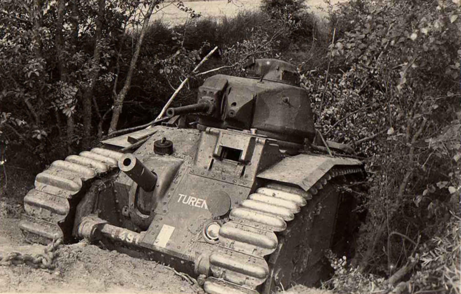 French Army Renault Char B1bis named Turen 491 abandoned battle of France ebay 01