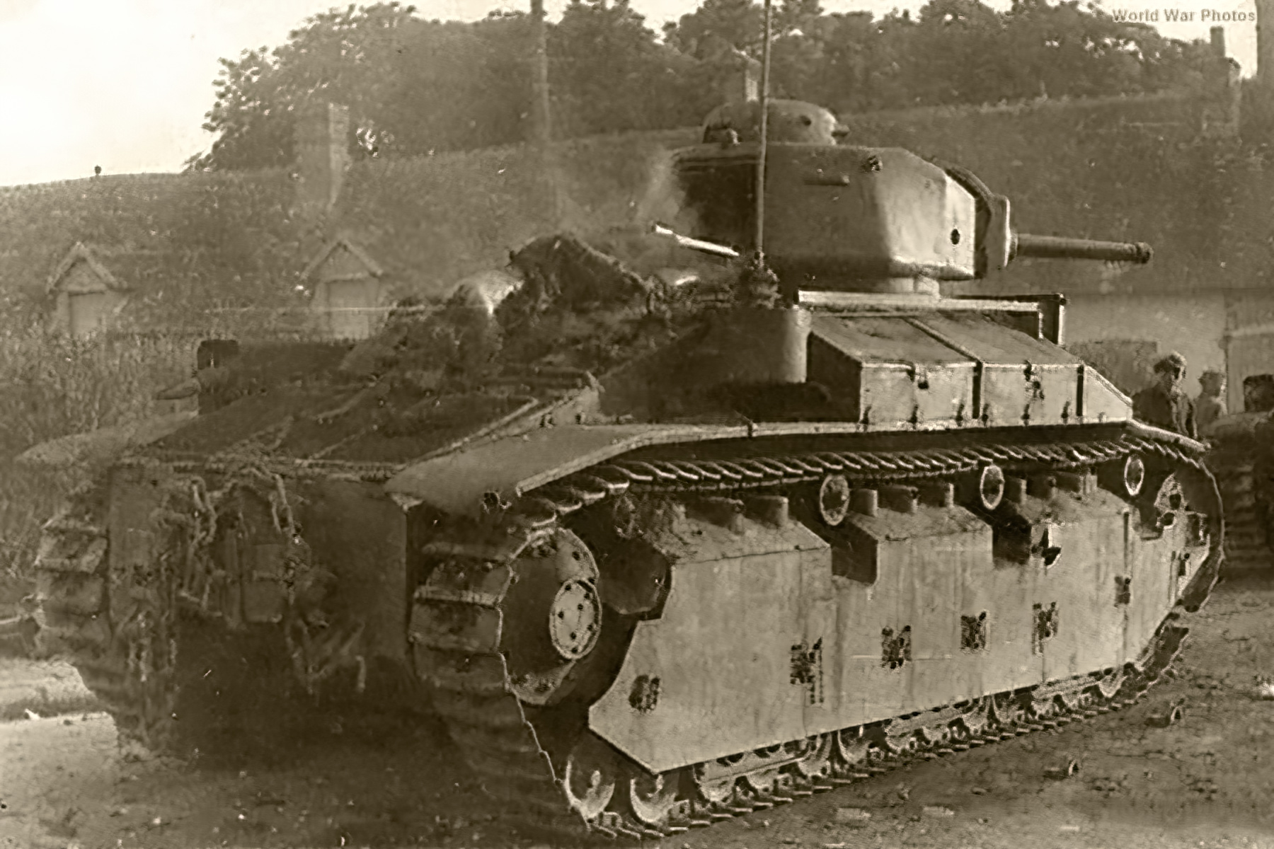 French Army Renault D2 tank abandoned battle of France 1940 web 01