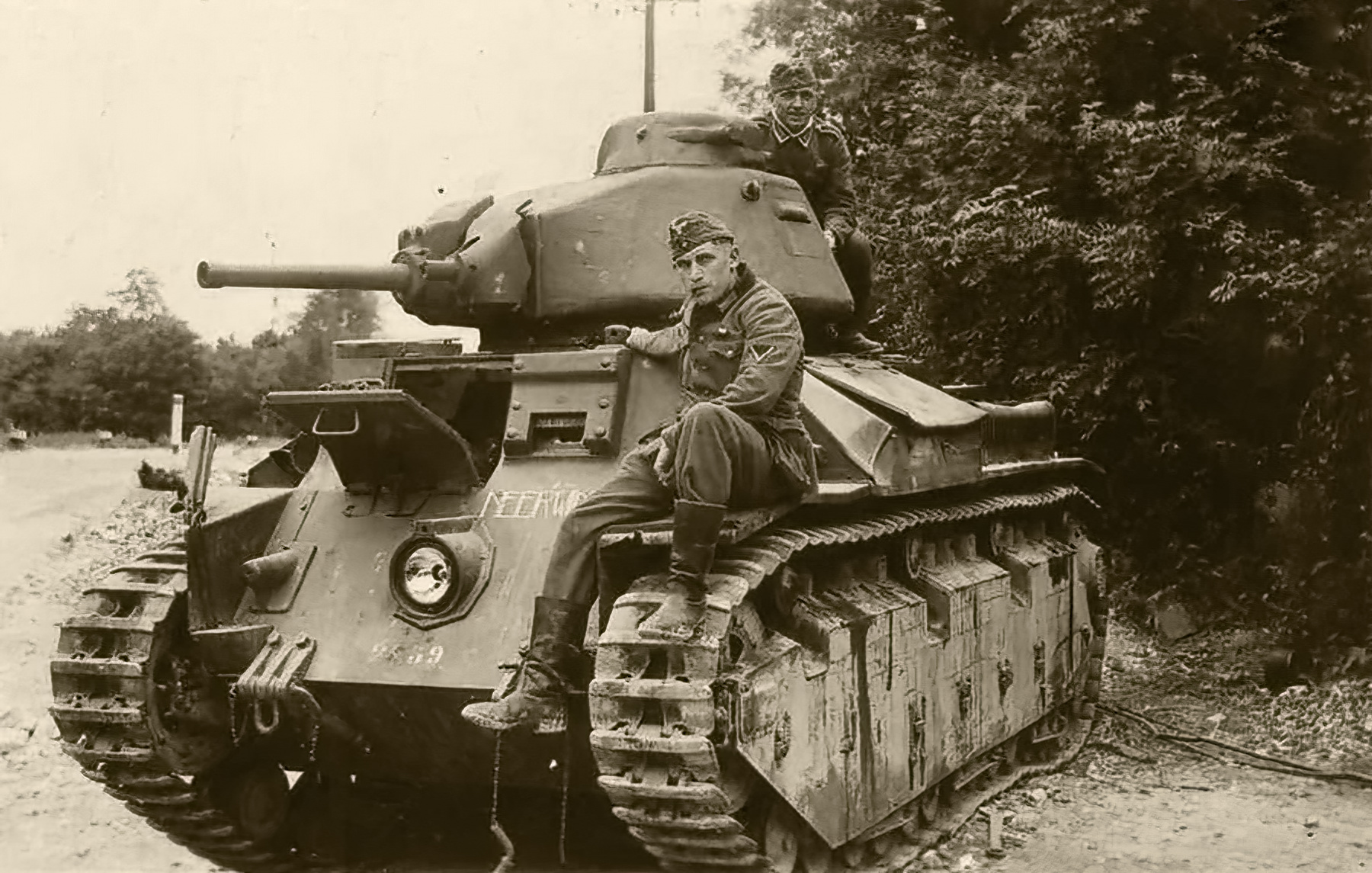 French Army Renault D2 tank captured battle of France 1940 web 02