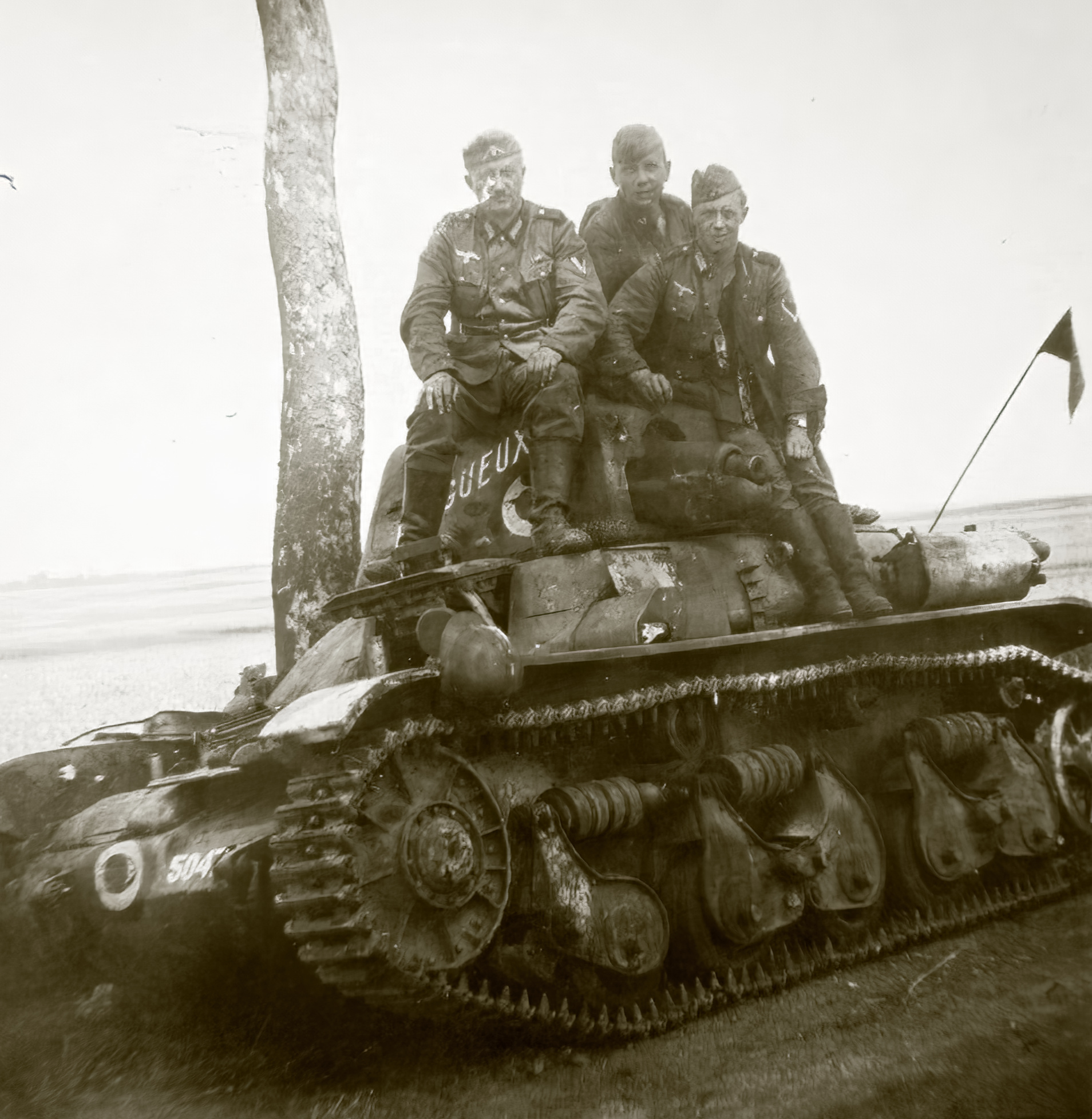 French Army Renault R35 support tank named Gueux captureded France 1940 ebay 01