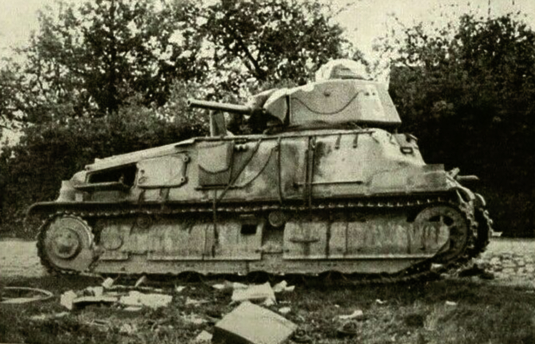 French Army Somua S35 White 9 abandoned along a roadside France June 1940 ebay 01