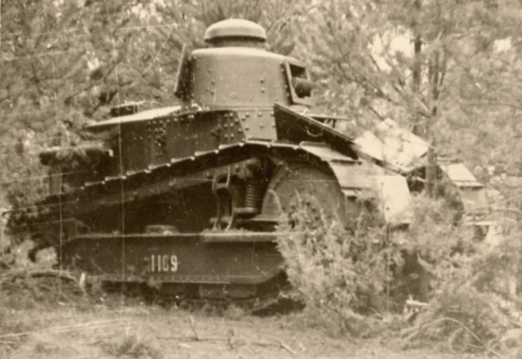 French built Renault FT 18 sn1109 captured in Poland 1939 ebay 01