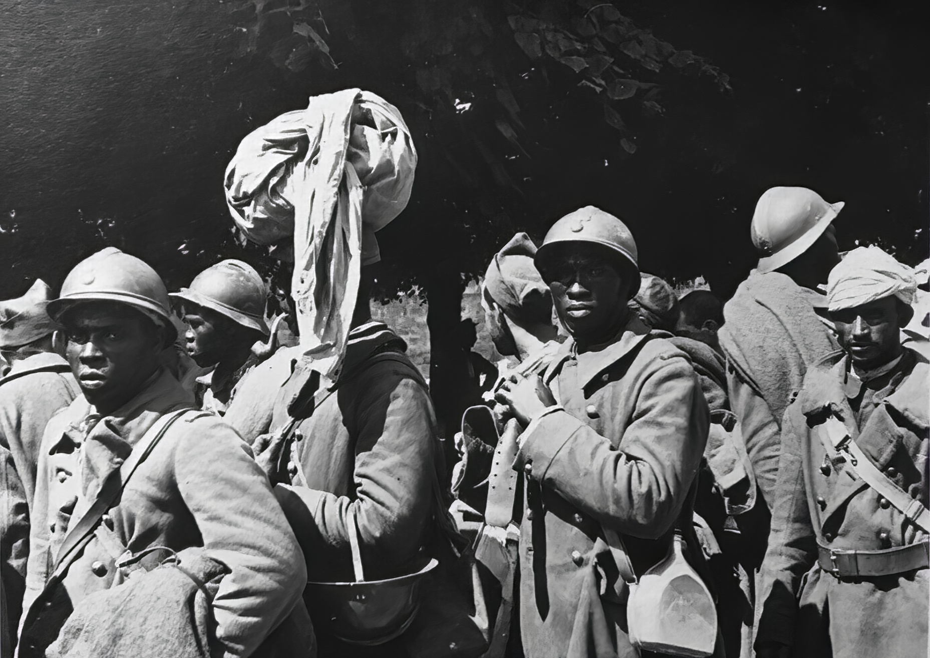 French soldiers disarm after France capitulation 25th June 1940 ebay 02