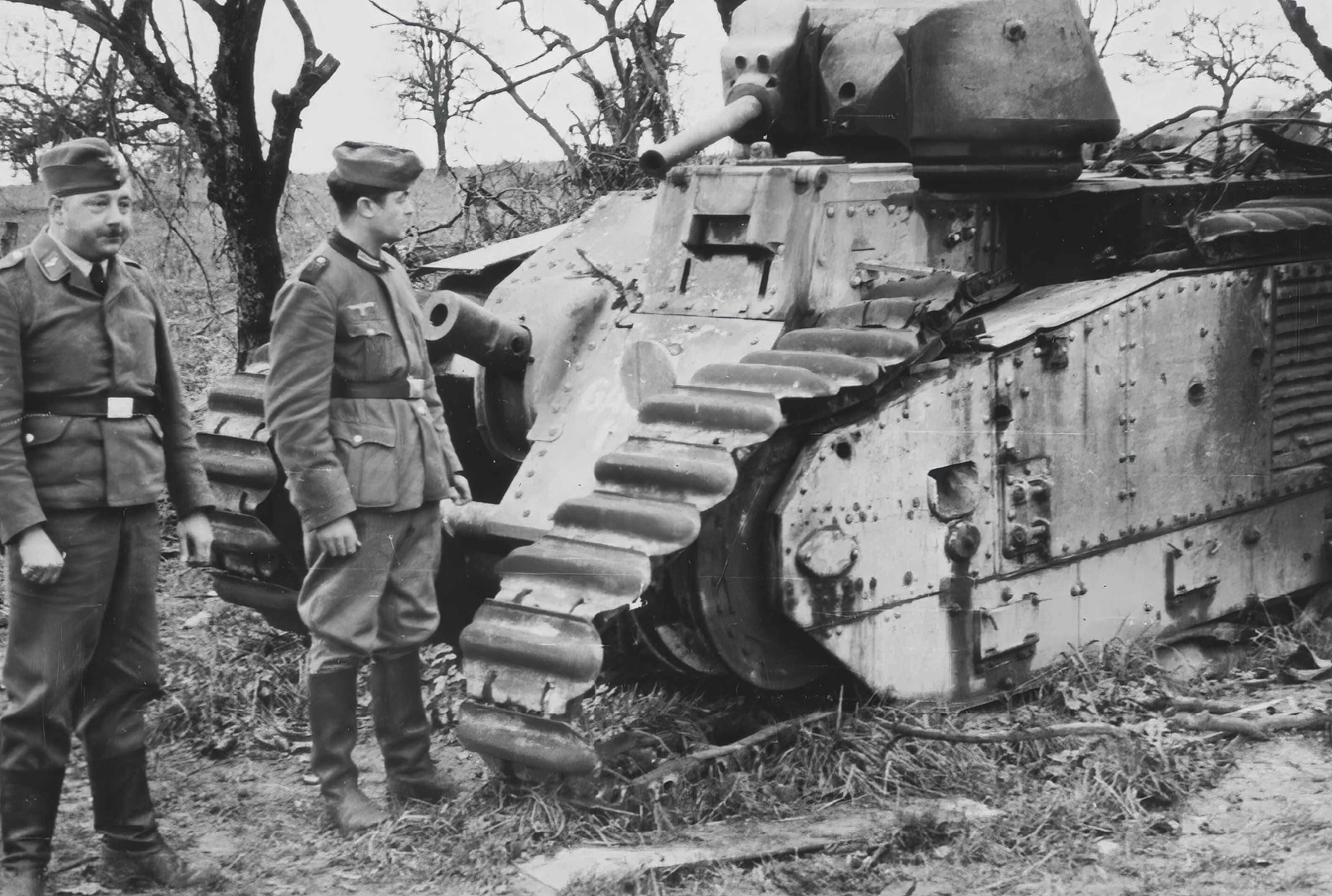 German Gen Christians inspecting a knocked out French Army Renault Char B1bis France 1940 NIOD2