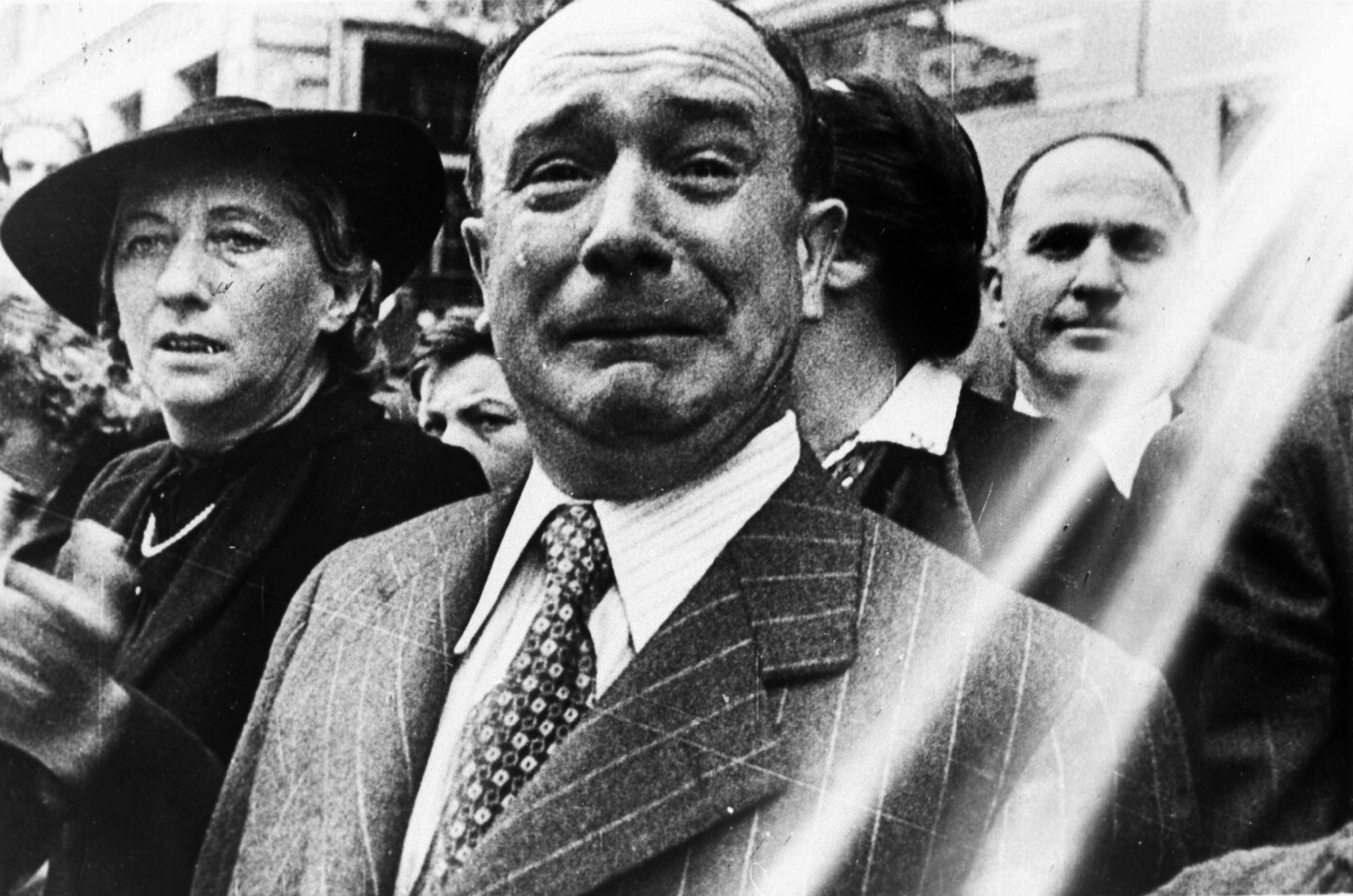 Iconic photo of the fall of France showing the raw emotion and sadness involved June 1940 01