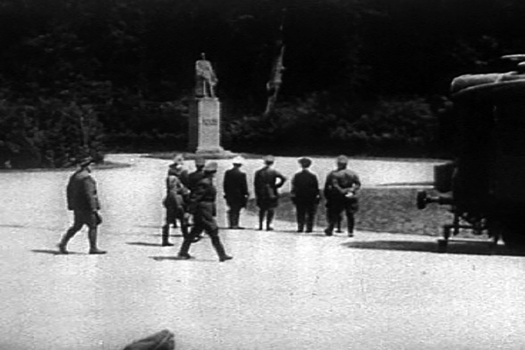 On 21st June 1940 near Compiegne in France Hitler (hand on hip) staring at Marshal Fochs statue wiki 01