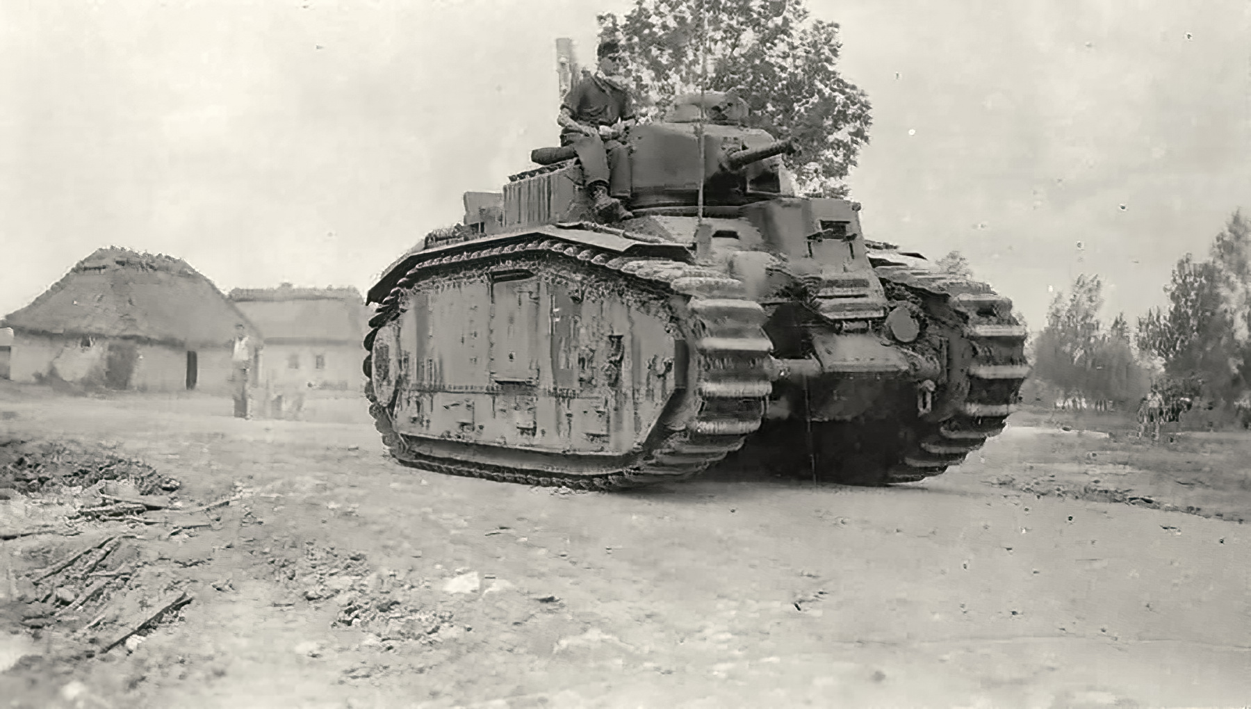 Wehrmacht Flammwagen auf Panzerkampfwagen B2 740(f) flame thrower tank converted Char B1 01