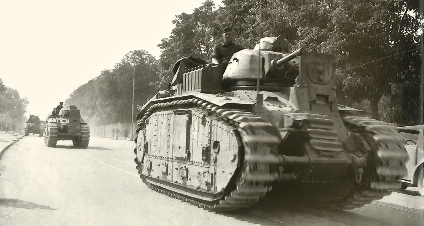 Wehrmacht Flammwagen auf Panzerkampfwagen B2 740(f) flame thrower tank converted Char B1 02