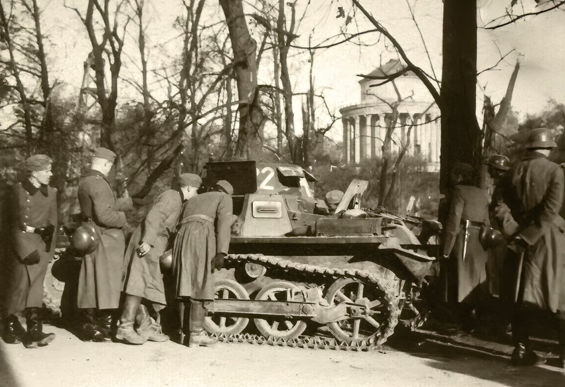 Wehrmacht Panzer I Ausf.B PzKpfw 1 with German troops France 1940 ebay 01