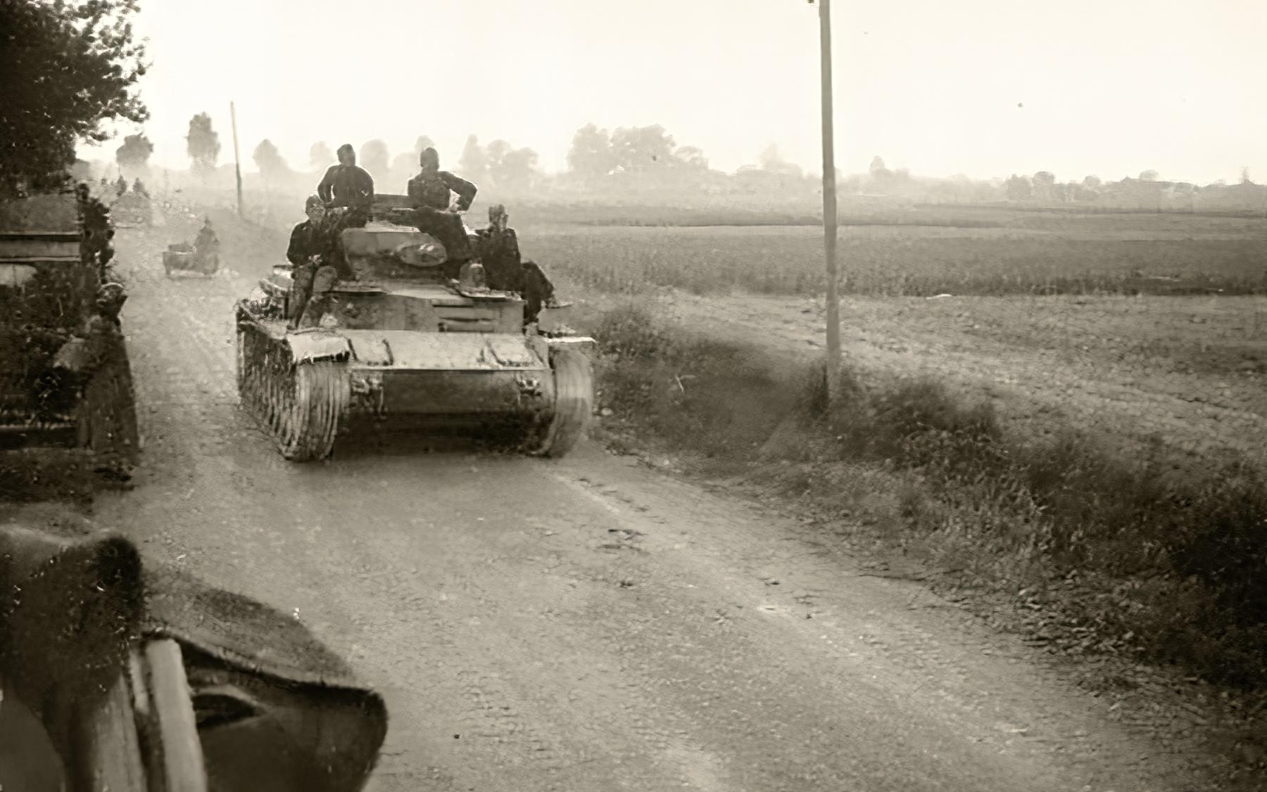 Wehrmacht tank column advance towards Saint Nazaire France 1940 ebay 01