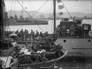 Asisbiz British and French troops evacuated from Dunkirk arrive at Dover 1940 wiki 01