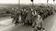 Asisbiz Column of French POWs being marched towards internment June 1940 03