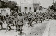 Asisbiz Column of French POWs being marched towards internment June 1940 04