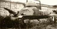 Asisbiz French Army Char SAu 40 an attempted SPG based on the Somua S35 chassis 01