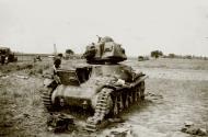 Asisbiz French Army Hotchkiss H35 knocked out battle of France 1940 ebay 02