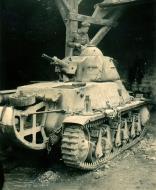 Asisbiz French Army Hotchkiss H38 battle of France 1940 ebay 01