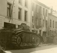 Asisbiz French Army Renault Char B1 White 254 knocked out during the battle of France 1940 ebay 01