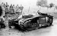 Asisbiz French Army Renault Char B1bis being examined by German soldiers France 1940 02