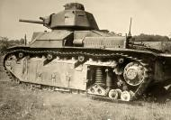 Asisbiz French Army Renault D2 tank battle of France 1940 web 01