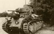 Asisbiz French Army Renault D2 tank captured battle of France 1940 web 02